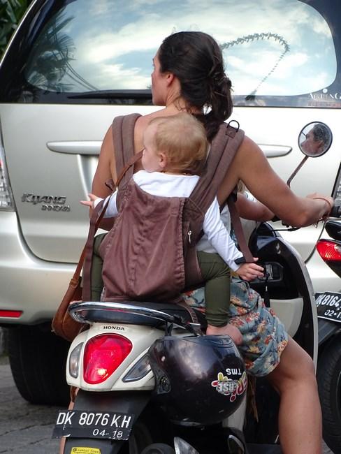 Bebe Pe Motoreta