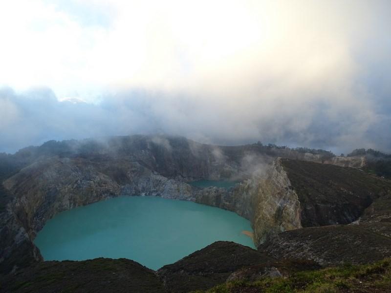 Lacurile Colorate Kelimutu