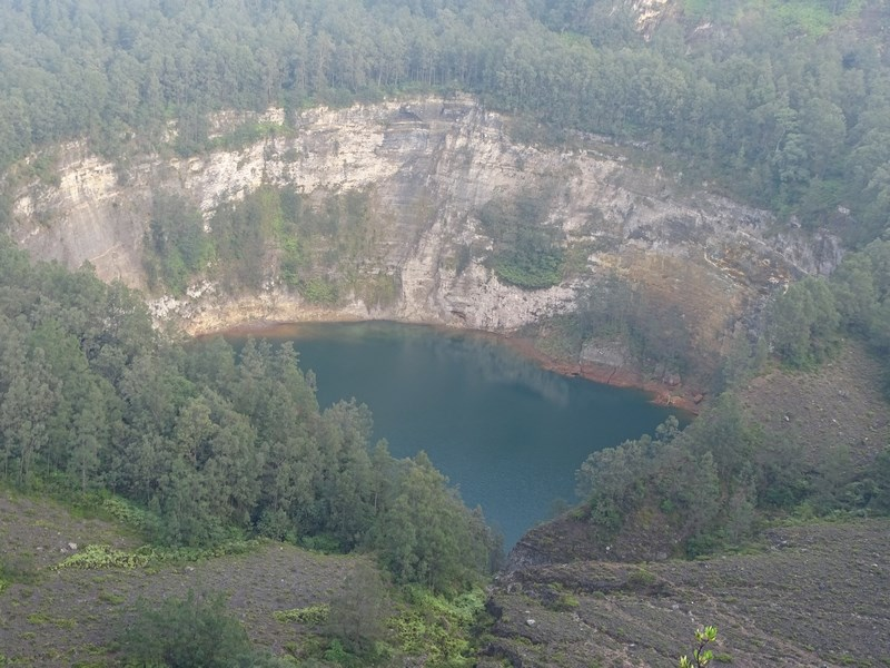 Lacul Negru Kelimutu