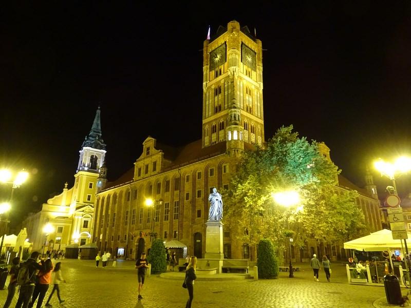 Primaria Torun Noaptea
