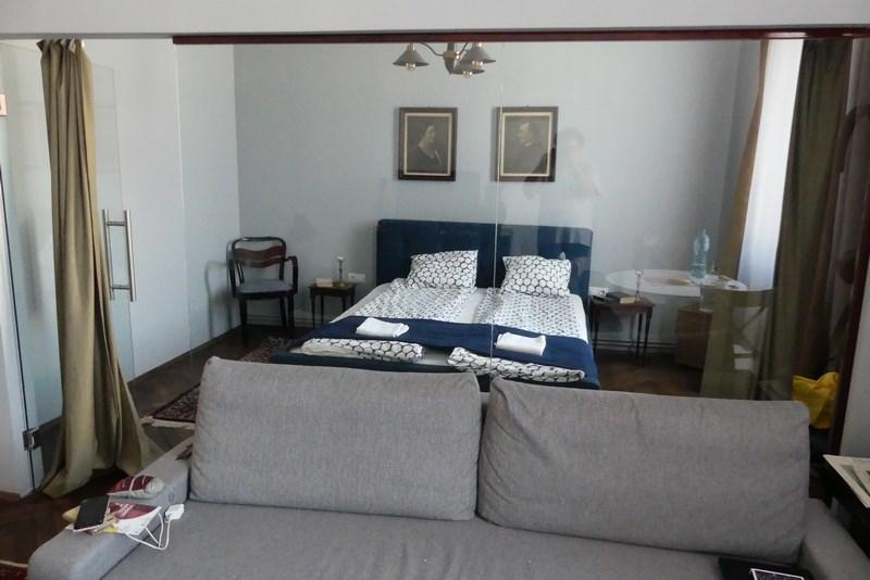 Canapea In Dormitor