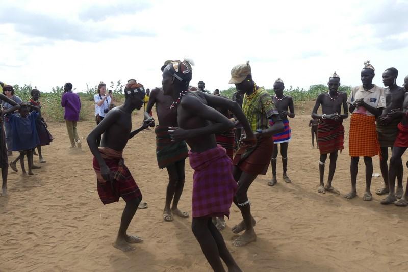 Dansuri Tribale