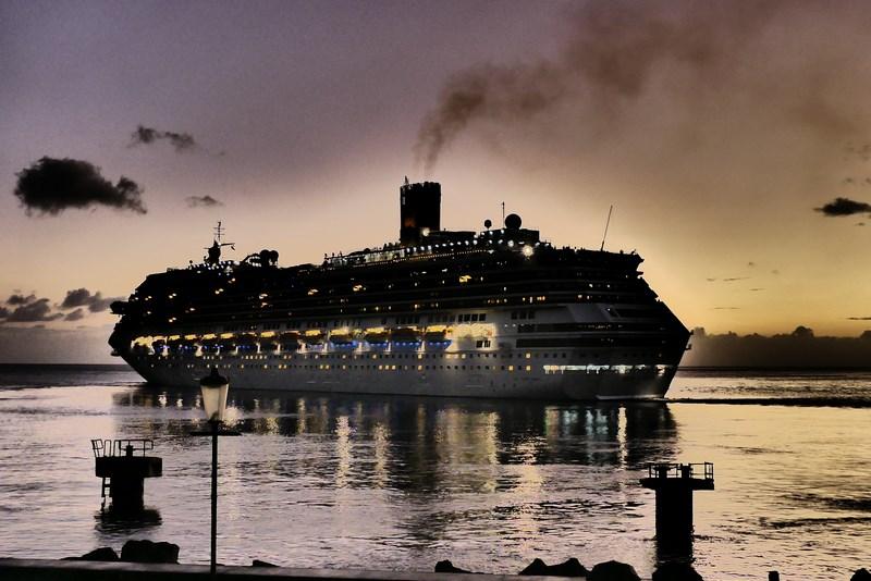 Cruise Dominica