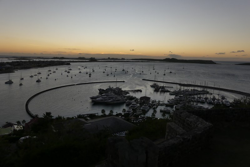 Apus de soare in Marigot