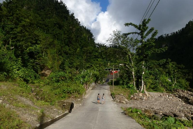 La pas prin Dominica