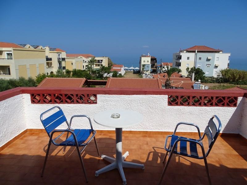 Anema by the Sea balcon