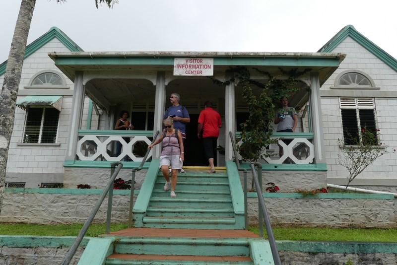 Etang visitor center