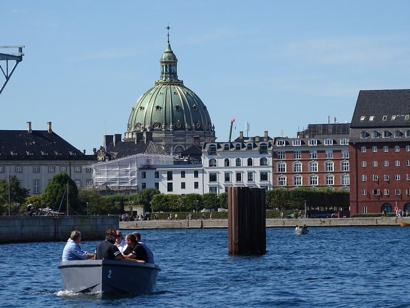 Copenhaga din larg