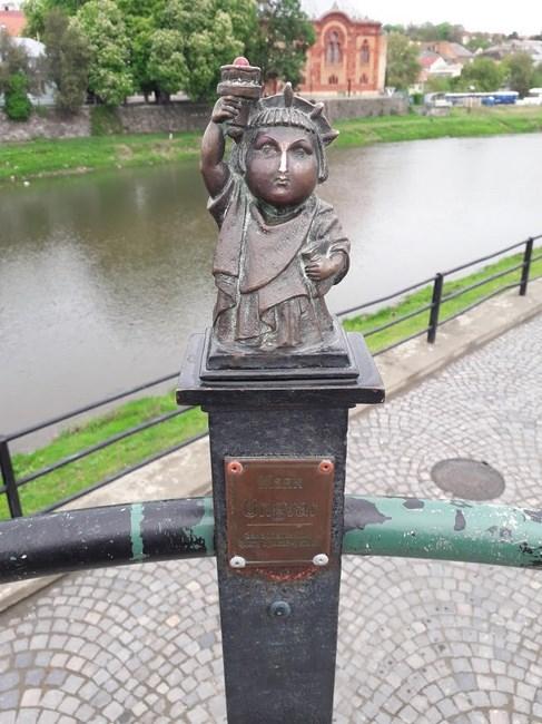 Statuia Libertatii Ujhorod