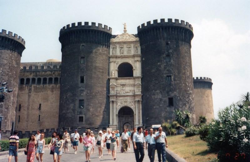 Castel Nuovo Napoli