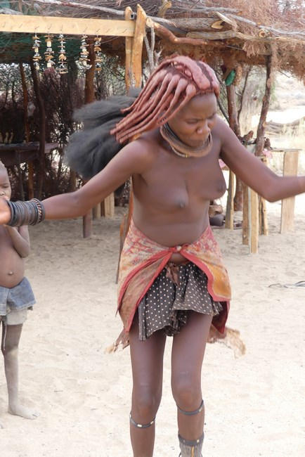 Dansatoare Himba