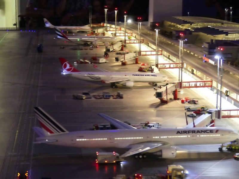 Aeroport noaptea