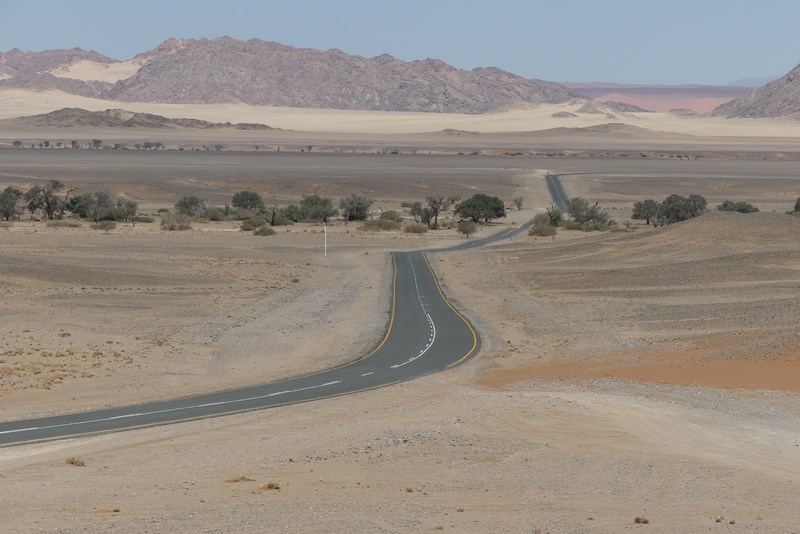 Sossuvlei road