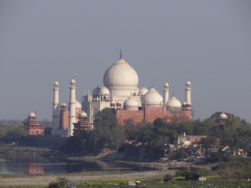 Taj Mahal vazut de la Red Fort