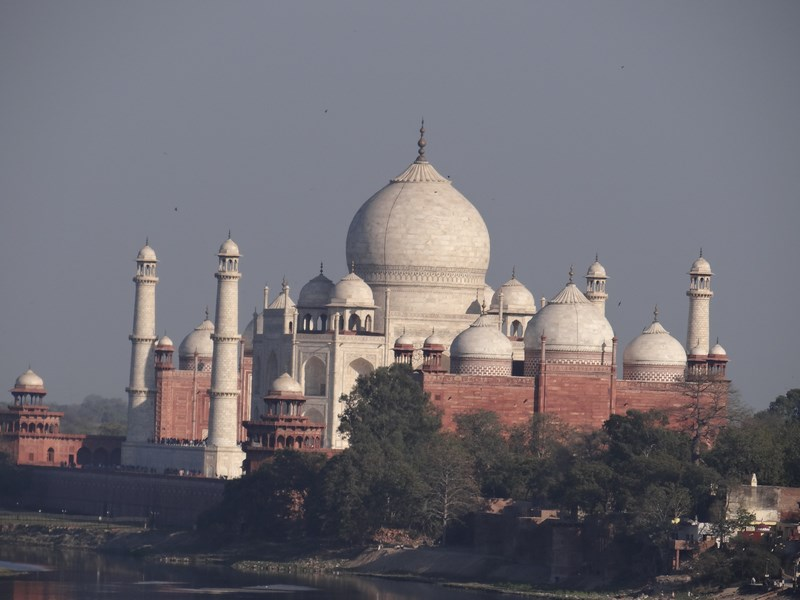 Taj Mahal vazut din Agra