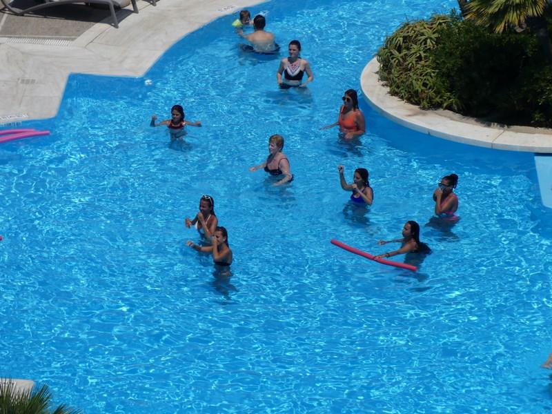 Animatie in piscina