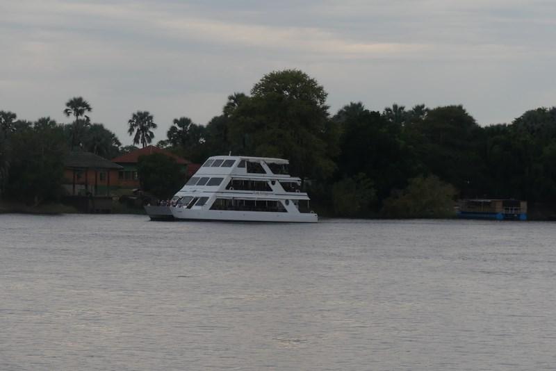 . Vas pe Zambezi