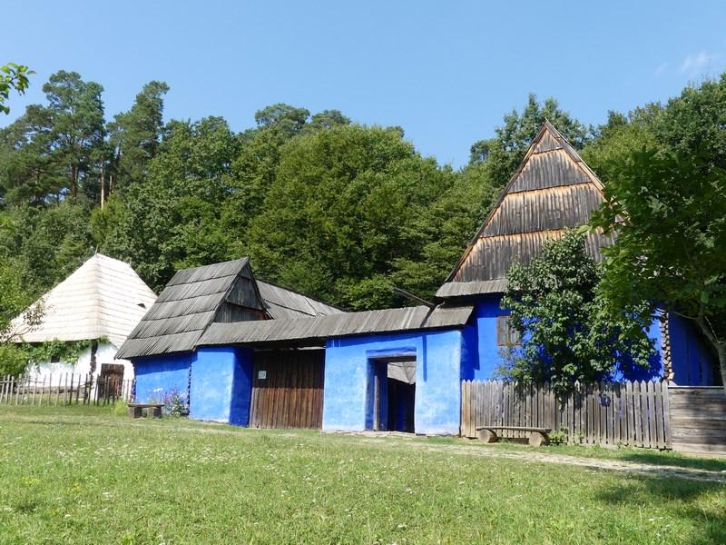 Case albastre