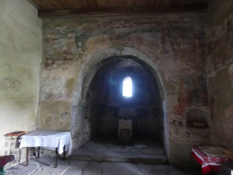 Interior biserica Strei