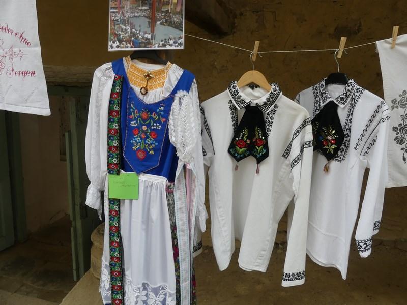 Costume sasesti