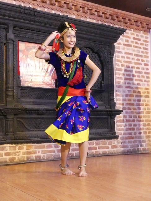 Dansatoare nepaleza