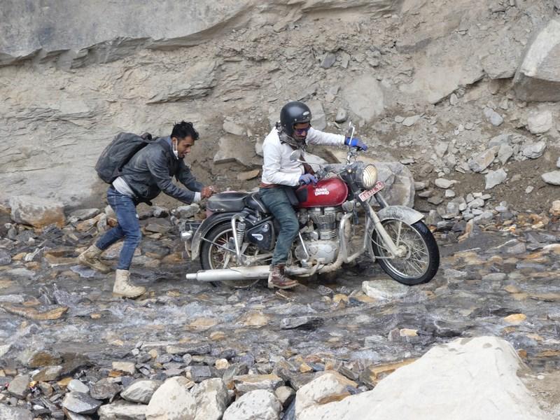 Motoreta in apa