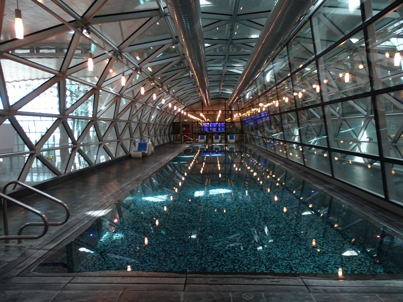 Piscina aeroport Doha