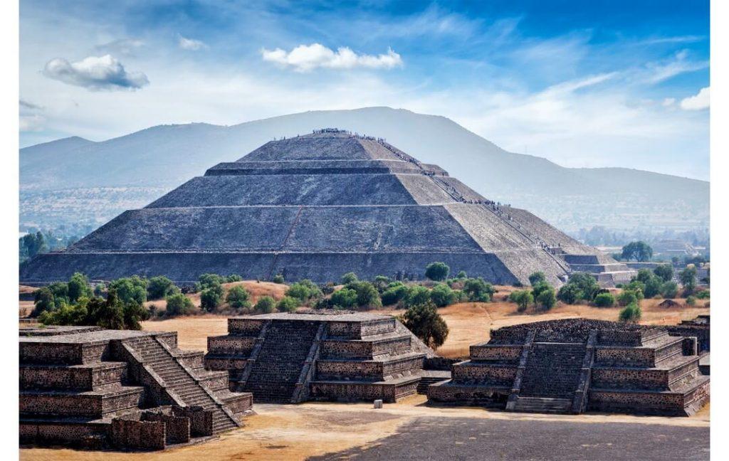 Piramidele Teotihuacan calatorii de grup Mexic