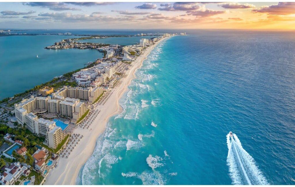 Plaja din Cancun calatorii de grup Mexic