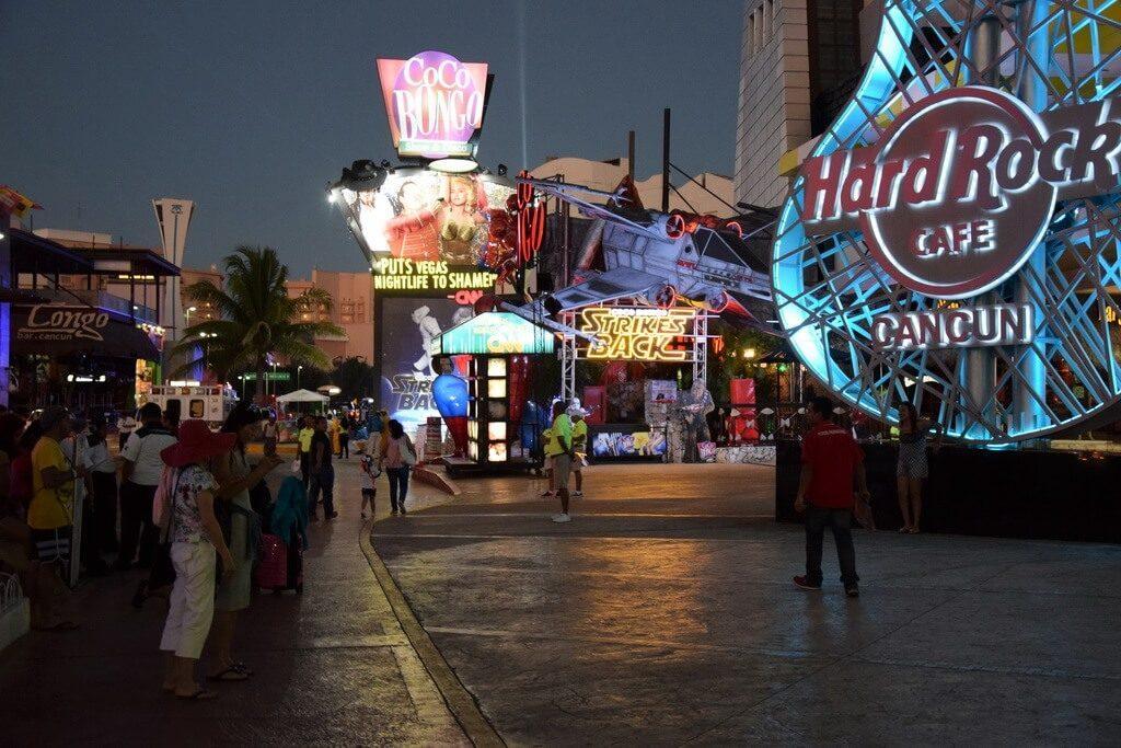 Coco Bongo clubul din Cancun ce face de rusine Vegasul Travelship x