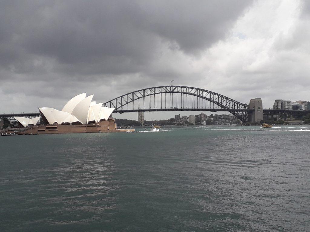 Opera Sydney si Podul