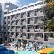 Hotel Prestige curte interioara
