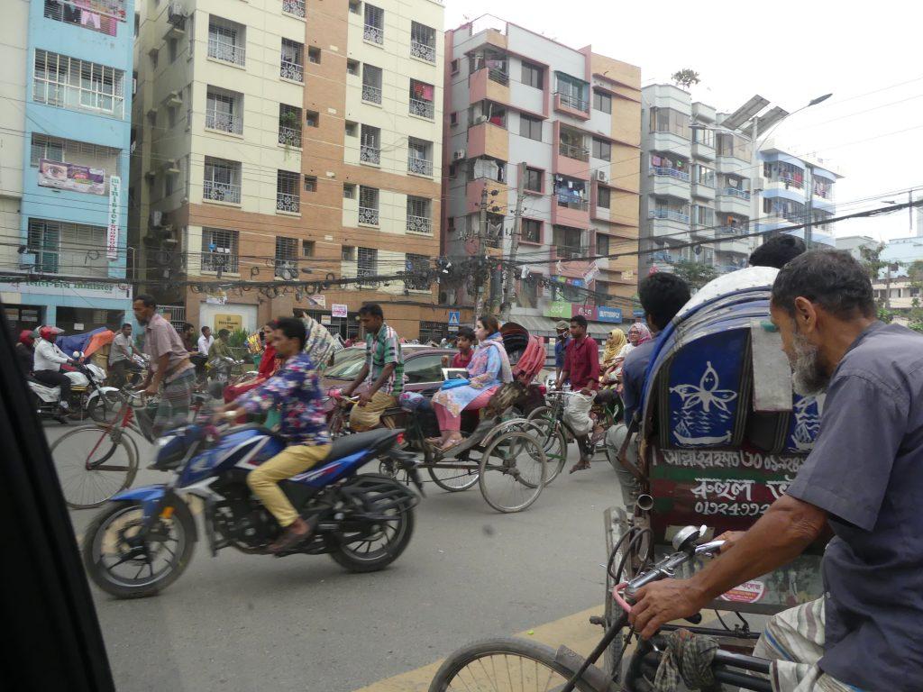 Strazile din Dhaka