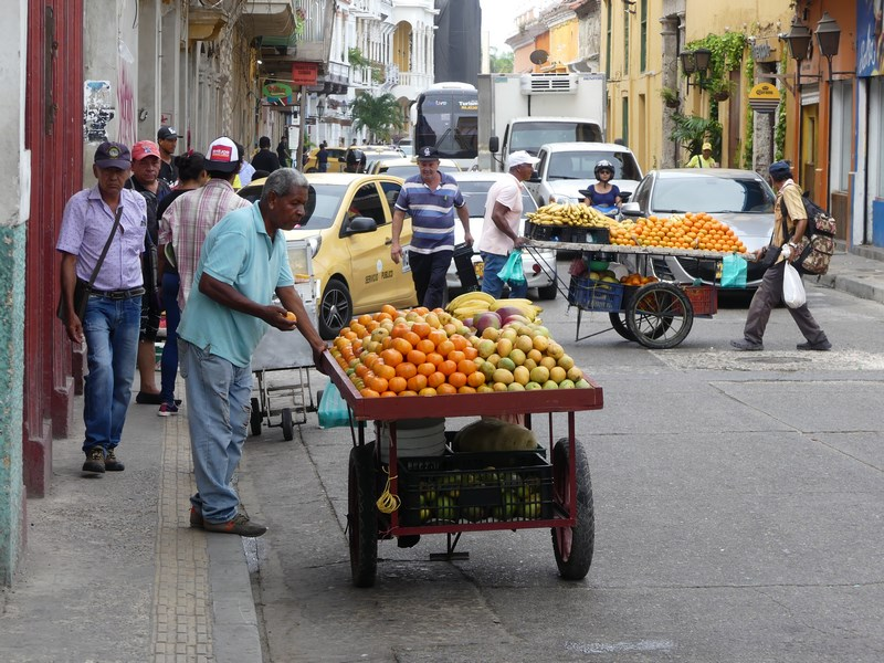 Vanzator fructe