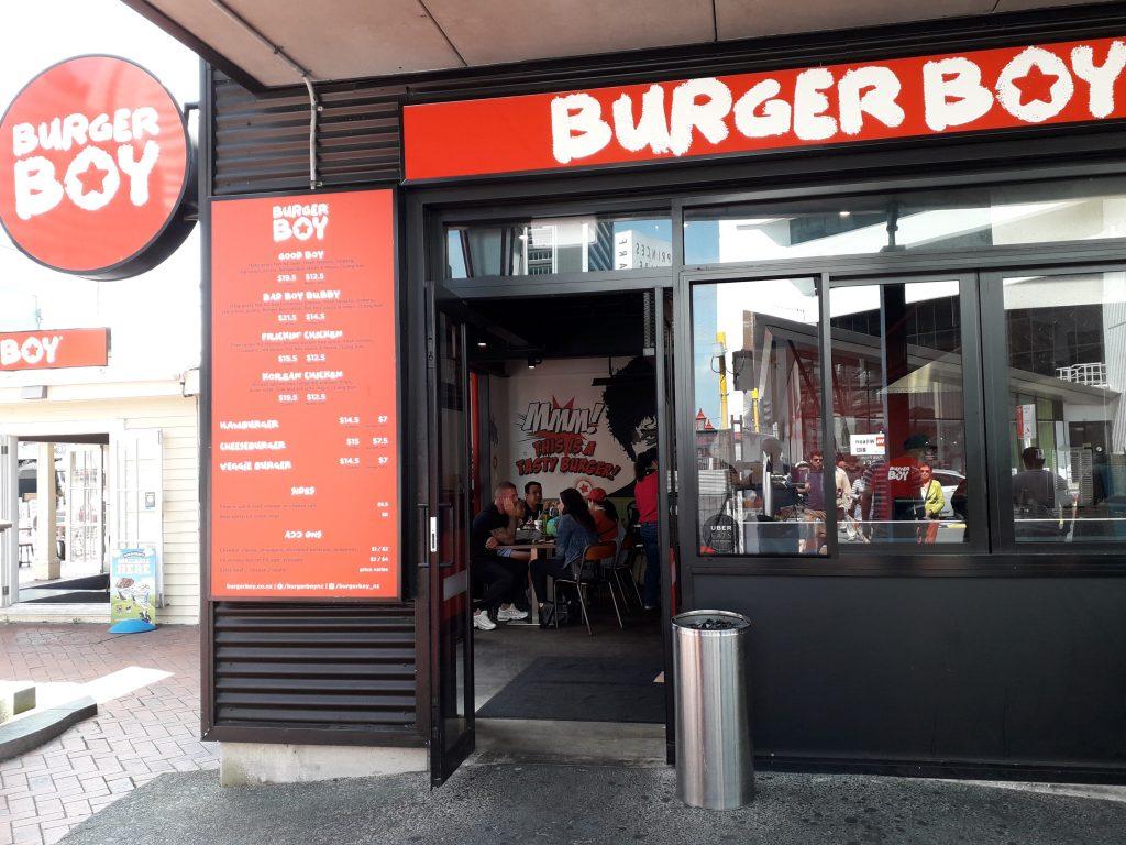 . Burger boy afacere locala
