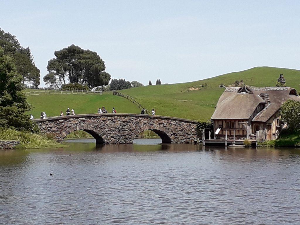 Podul si moara hobitilor