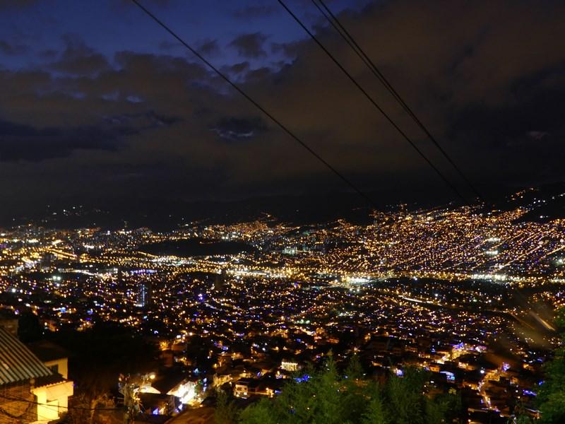 Medellin noaptea