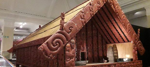 casa maori de lemn la auckland museum