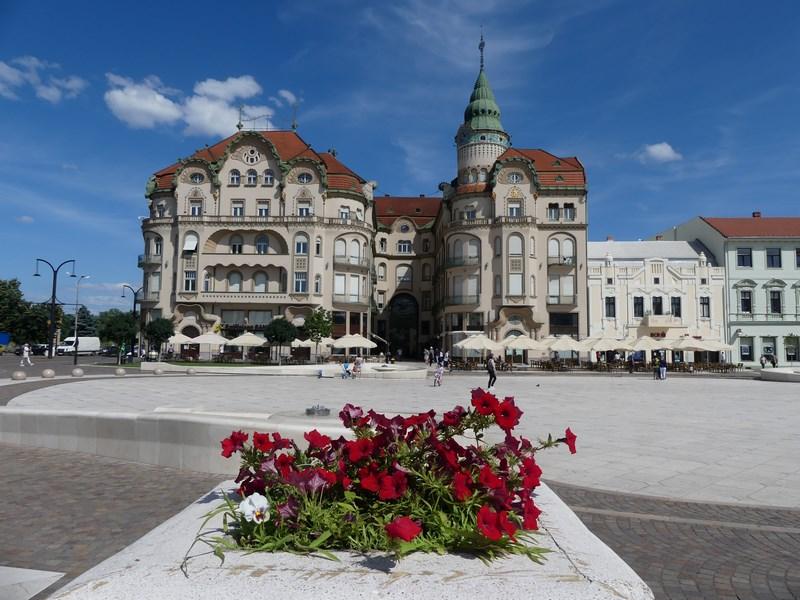 Oradea Piata Unirii ziua