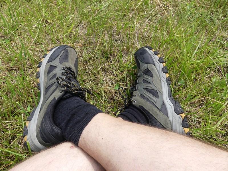 Skechers in iarba