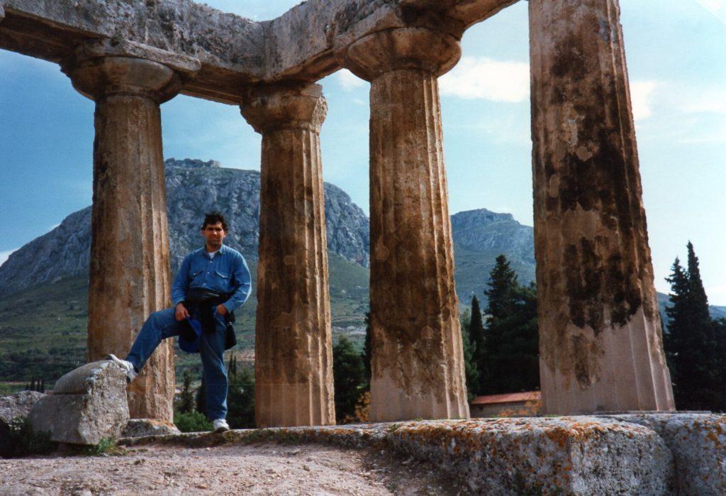 Vechiul Corint templul lui Apollo
