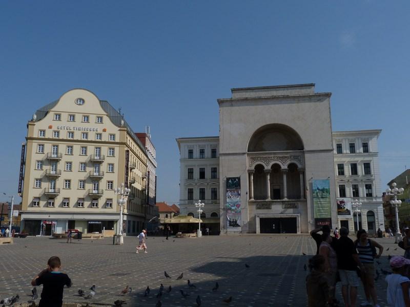 . Piata Victoriei City Break Timisoara