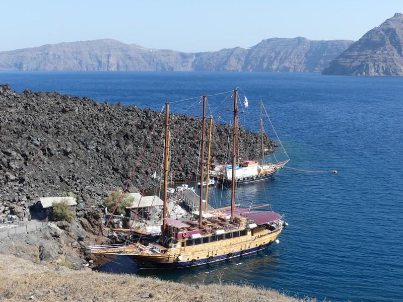 Port Nea Kameni
