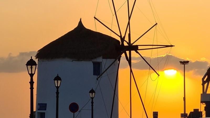 Apus de soare in Paros