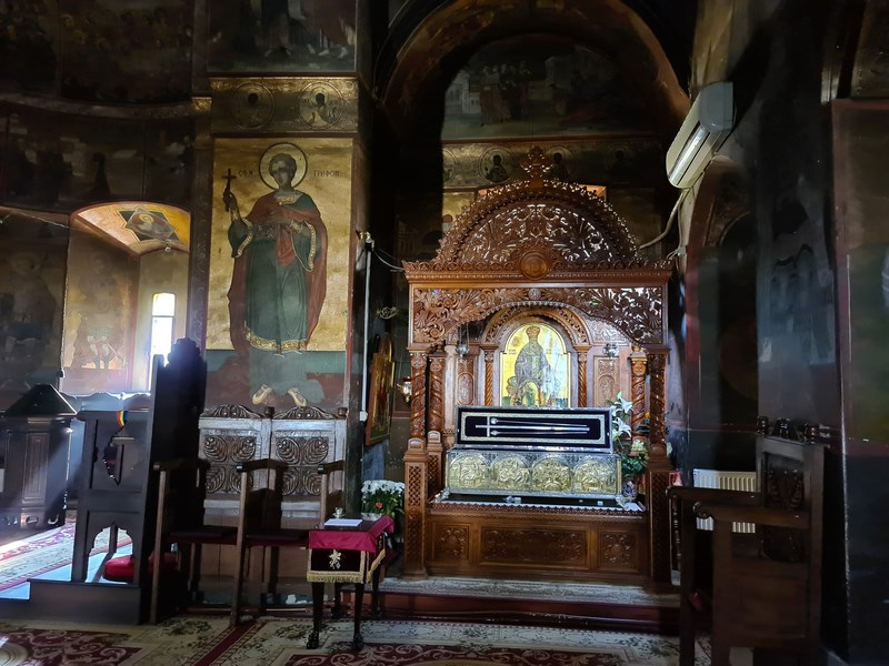 Interior manastire Caldarusani