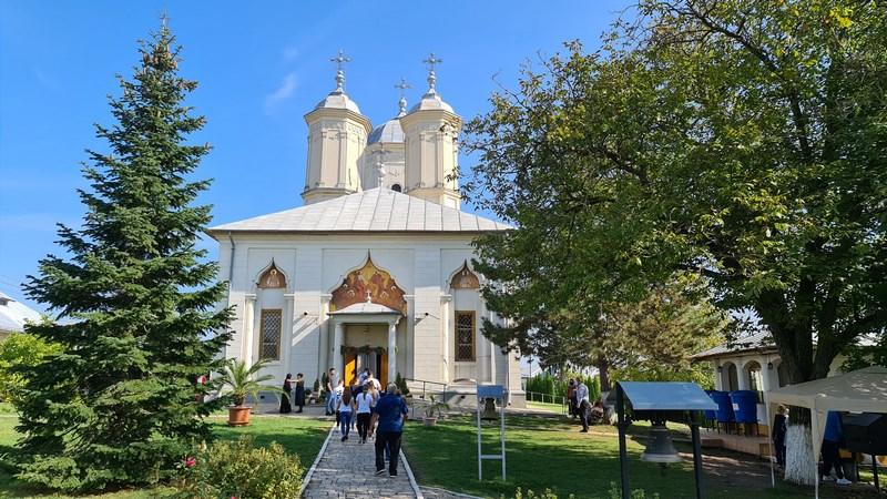 Biserica Manastirii Pasarea