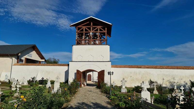 Turnul bisericii Negoiesti