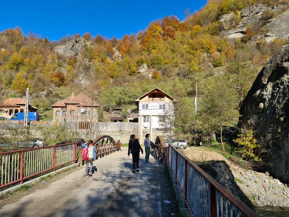 Spre Manastirea Cetatuia