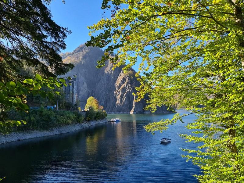 Toamna lacul Vidraru