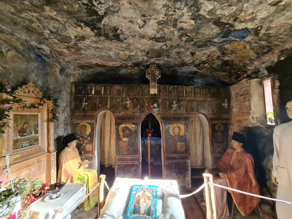 Interior Manastirea Cetatuia Negru Voda